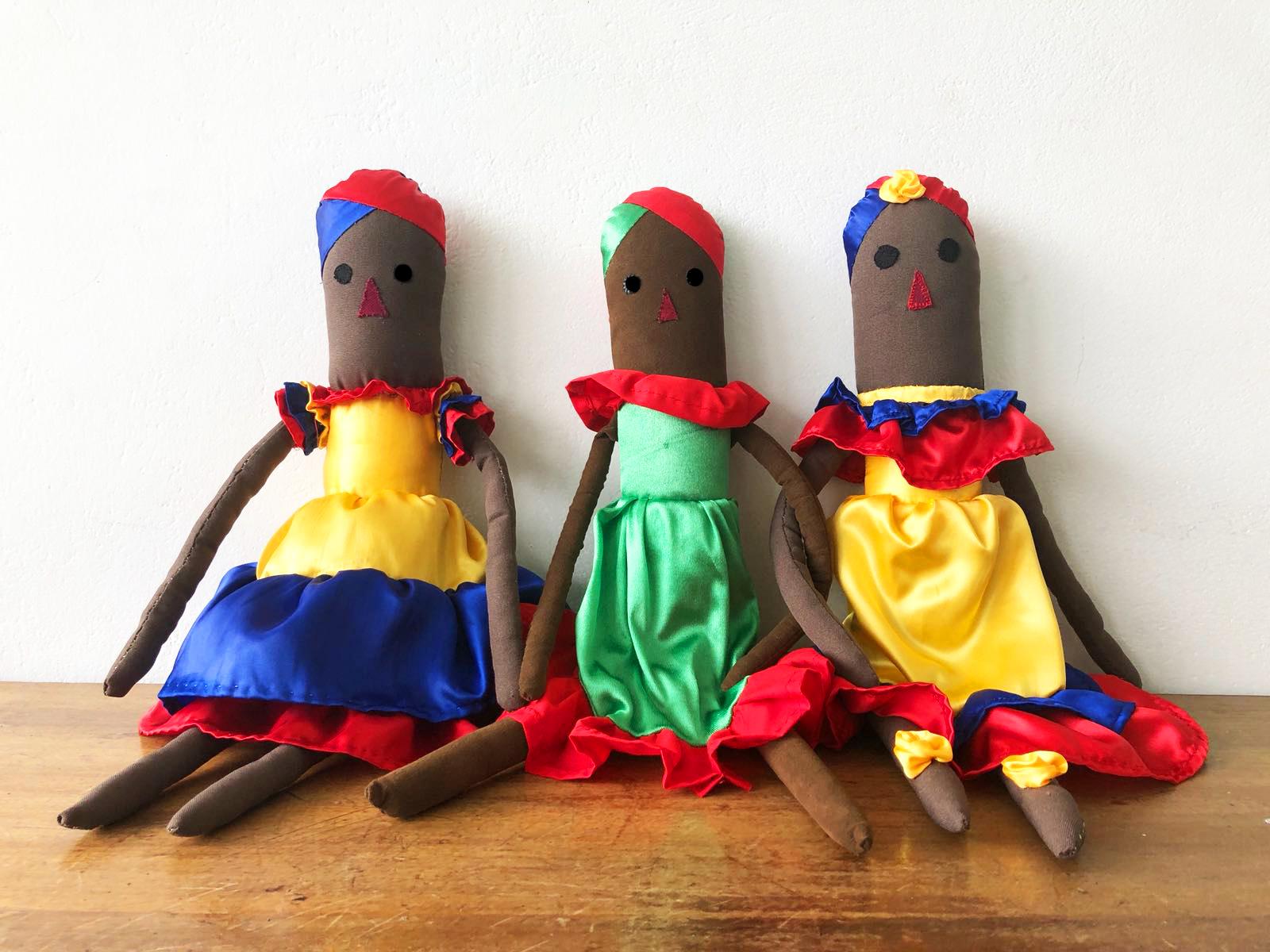 Marta Boza - muñecas del mundo
