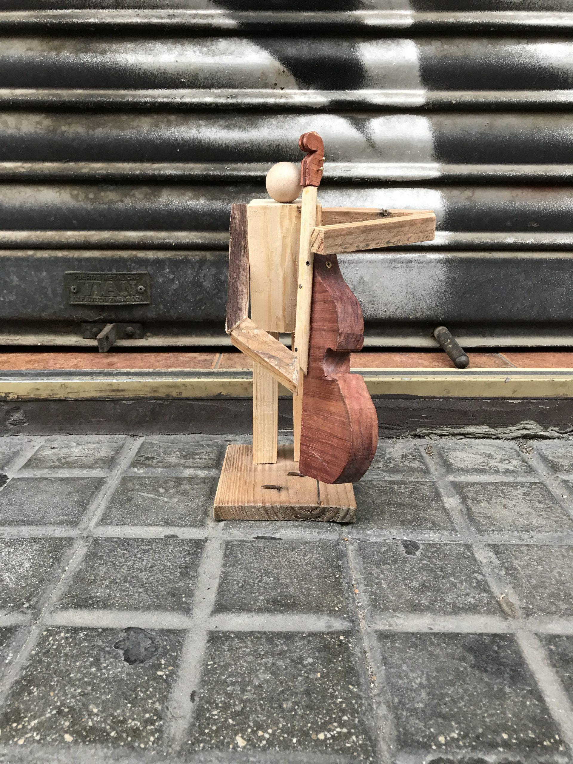 contrabajo-musicos-decoracion-madera